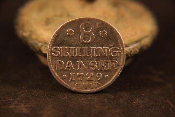 8 Skilling Danske